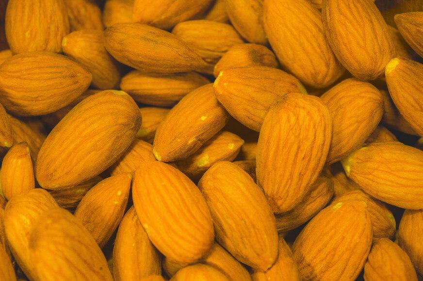 magnesium in almonds